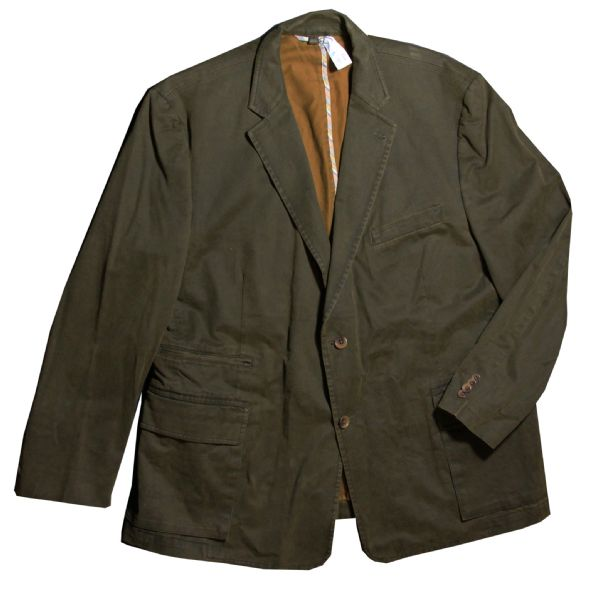 Russell Crowe Screen-Worn Wardrobe From 2010 Thriller ''The Next Three Days''