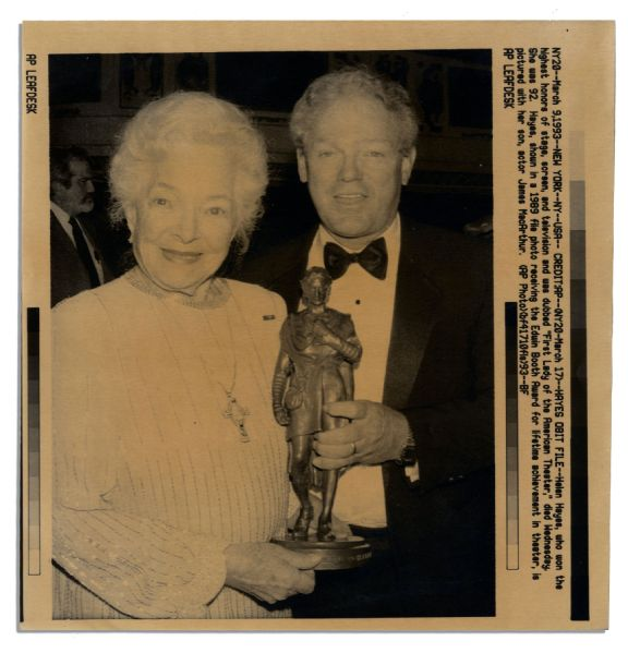 Edwin Booth Lifetime Achievement Award Presented to ''First Lady of the American Theater'' & Movie Star Helen Hayes -- The First Booth Award Ever Given to a Woman