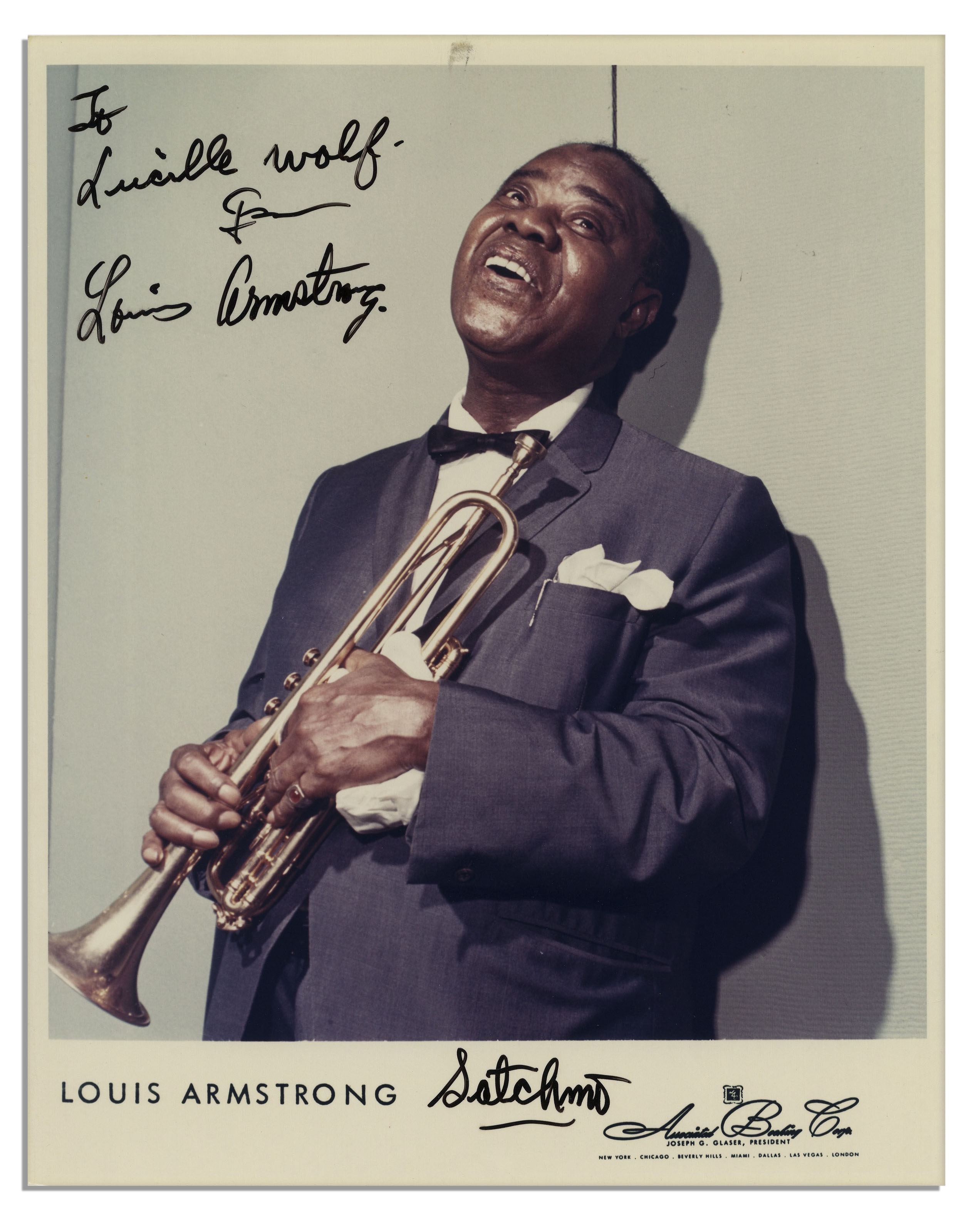 a biography of louis armstrong an american singer Updated biography, wiki of louis armstrong net worth  louis armstrong net worth singers  louis armstrong was an american jazz trumpeter and singer.