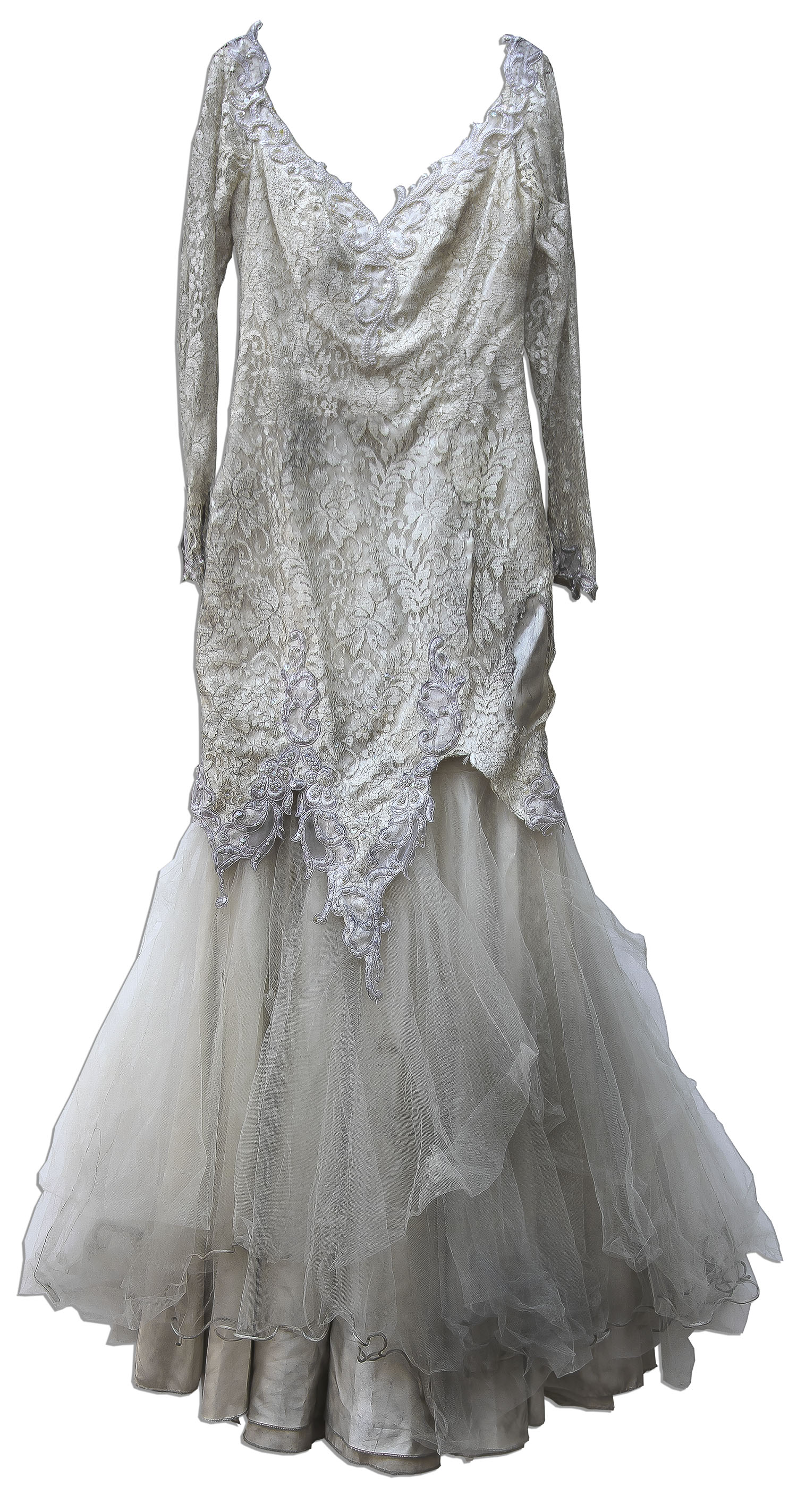 Lot Detail Cameron Diaz Wedding Dress From Feeling Minnesota