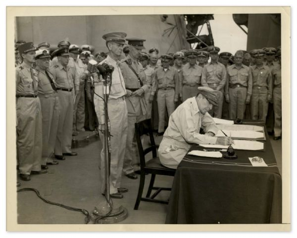 4 September 1945 AP Press Photo of General Douglas MacArthur Signing the Japanese Surrender Papers -- 9'' x 7'' -- Very Good