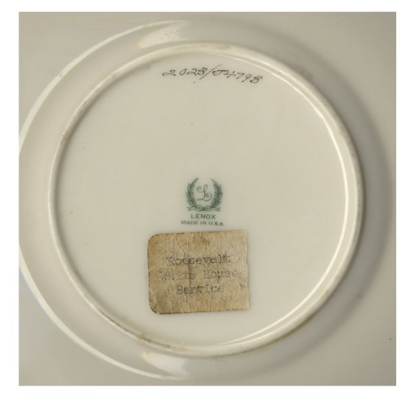 President Franklin D. Roosevelt Official White House China -- Dinner Plate & Saucer -- Fine