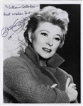 Actress Greer Garson Signed Photo -- 8 x 10 -- Near Fine
