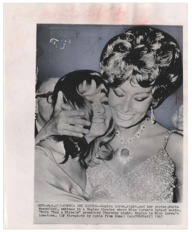 Lot Detail - Associated Press Wire Photo of Sophia Loren From 1967