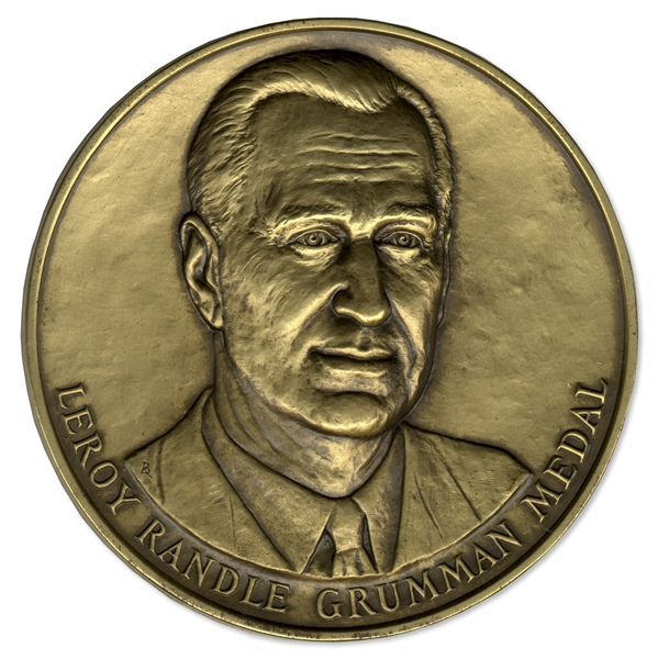 Leroy Randle Grumman Award Medal Presented to Theoretical Physicist Kenneth G. Wilson