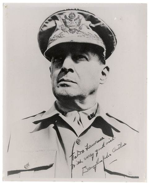 Douglas MacArthur Signed 8'' x 10'' Photo in WWII Uniform