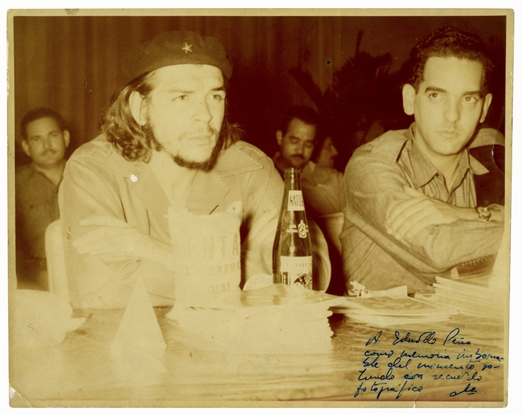 Che Guevara Signed Photo -- ''A souvenir photo to remember the resounding time / Che''