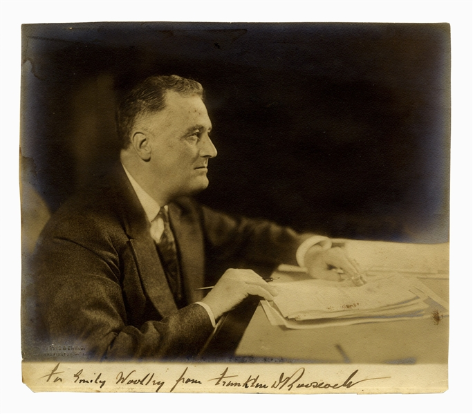Franklin D. Roosevelt Signed 9'' x 7.75'' Photo -- By Photographer Harris & Ewing