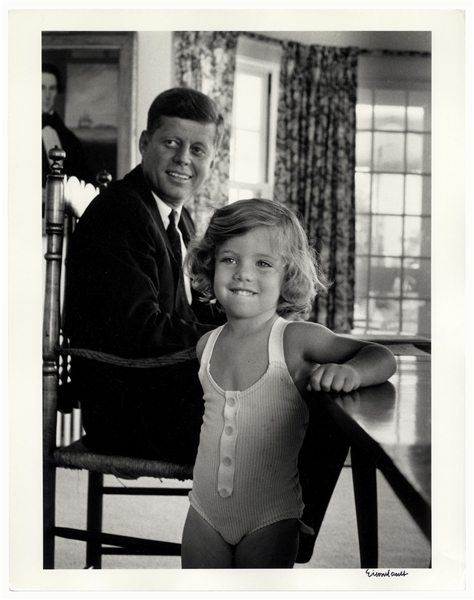 Alfred Eisenstaedt Signed 11'' x 14'' Photograph of John F. Kennedy & Daughter Caroline -- Taken During the Summer of 1960 When JFK Campaigned for President
