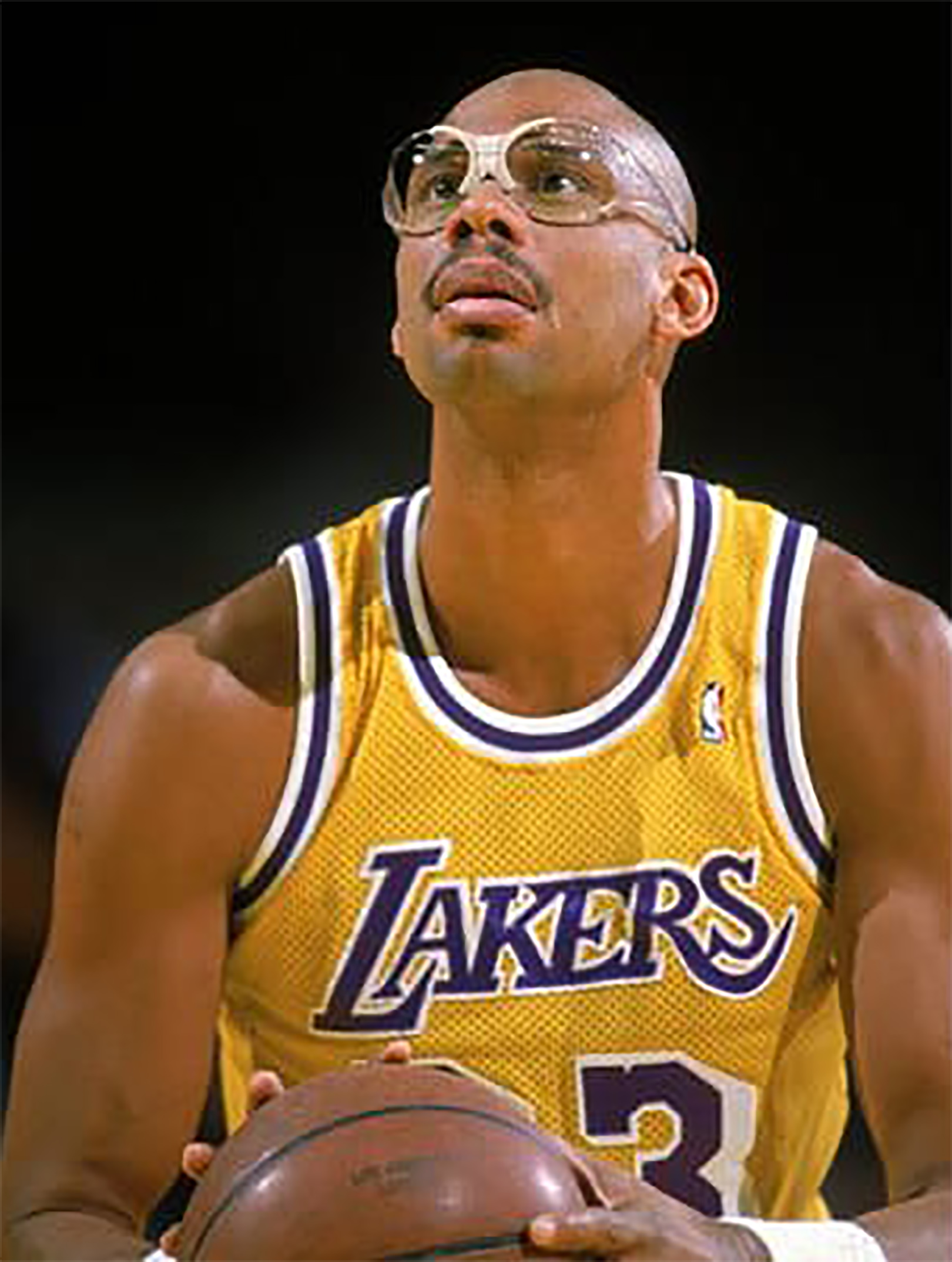 sell a kareem abdul jabbar used memorabilia at nate d