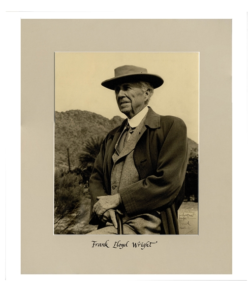 Frank Lloyd Wright Signed 11'' x 14'' Photograph