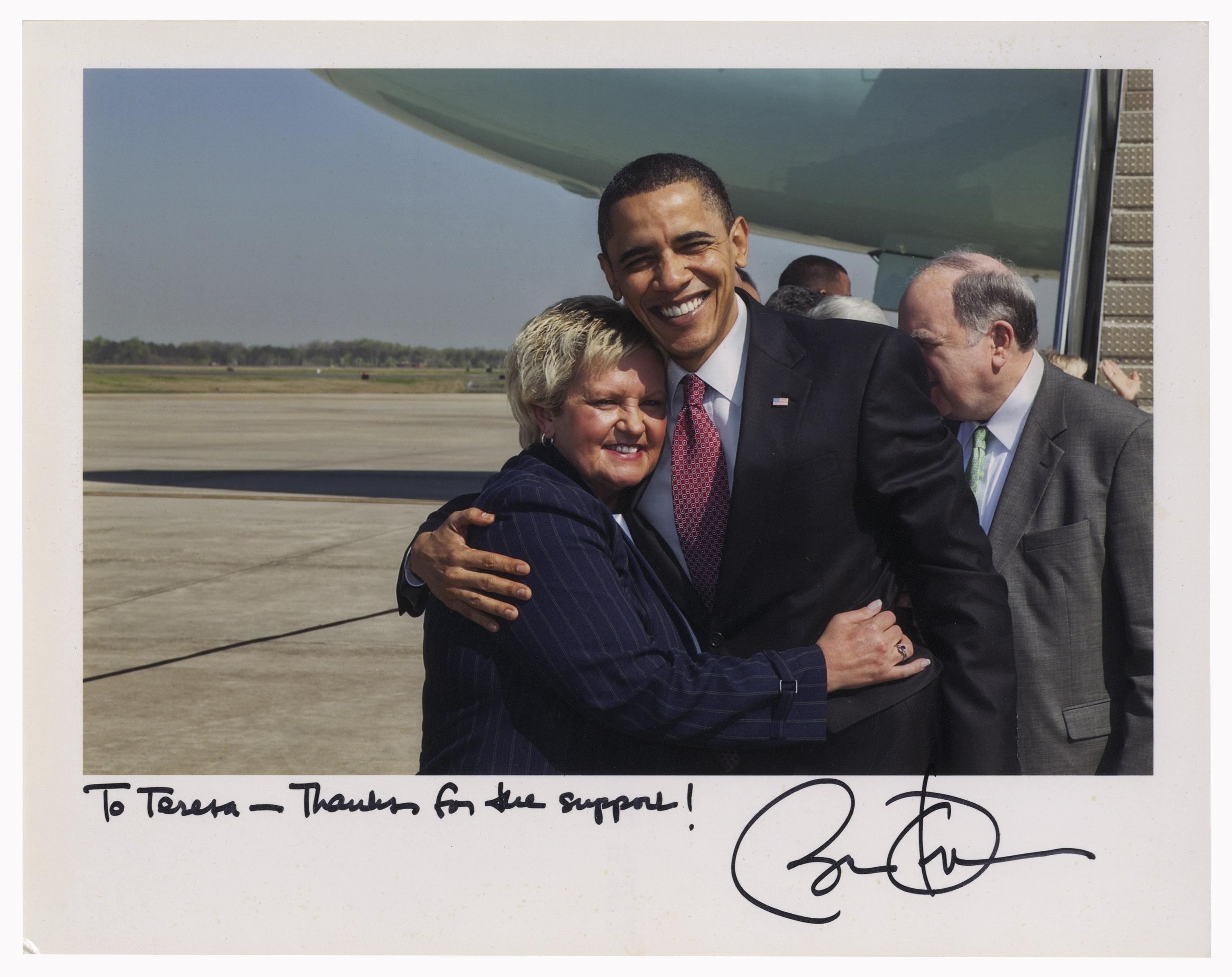 Autographed Barack Signed photo of obama