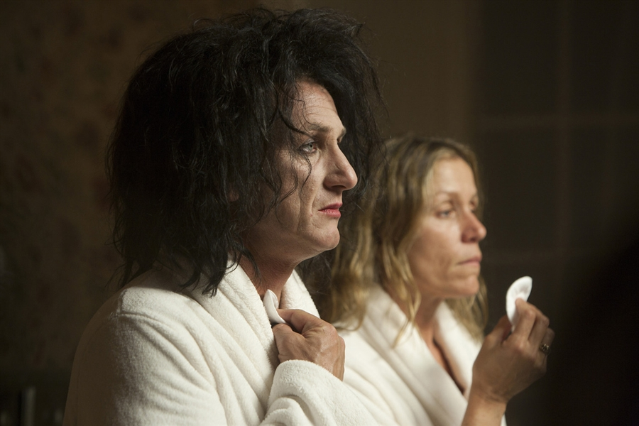 Academy Award-Winner Sean Penn Screen-Worn Bathrobe From ''This Must Be the Place''