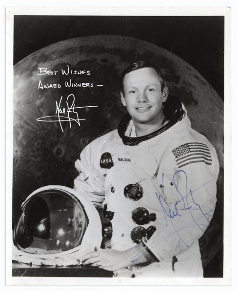Neil Armstrong Signed 8'' x 10'' Photo -- Uninscribed -- With Steve Zarelli COA