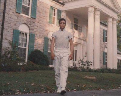 elvis-presley-biography-52-725393 Elvis Presley Memorabilia